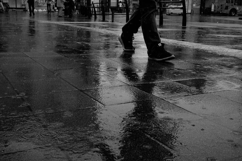 濡れた路面のリフレクション